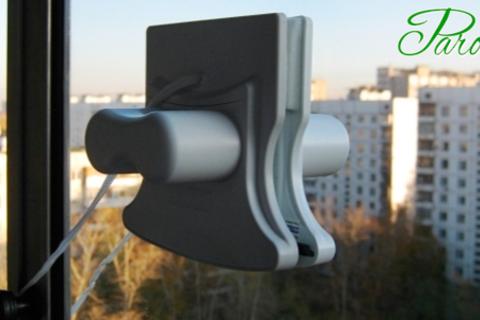 Щетка на магнитах для мытья окон Window Wizard от интернет-магазина Parovarovkitchen.  Скидка до 71% от КупиКупон