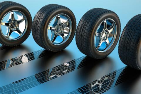 Шиномонтаж четырех колес (размер до 19 дюймов) + балансировка в автосервисе «Сезонка».  Скидка 68% от КупиКупон