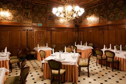 Всё меню и напитки, включая крепкие, в уникальном дворцовом ресторане «Особняк Половцева» со скидкой 50%!