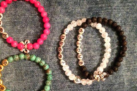 Скидка 30% на весь ассортимент браслетов в интернет-магазине Blink my thing от КупиКупон