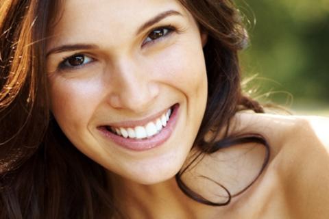 Светодиодное отбеливание зубов системой Brilliant Frost в сети клиник «Нью Боди». Скидка 81% от КупиКупон