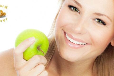 Ультразвуковая чистка, лечение кариеса,  установка 1 имплантата ISX (Германия) или брекет-системы на один зубной ряд в клинике «Белый жемчуг». Скидка до 84% от КупиКупон