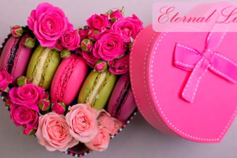 Сказочные подарочные миксы из цветов и сладостей, а также уникальные цветочные композиции от компании Eternal Luxury. Скидка до 72%