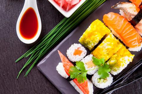 Скидка до 50% на всё меню и напитки в ресторане японской, морской и дикой кухни Fuji от КупиКупон