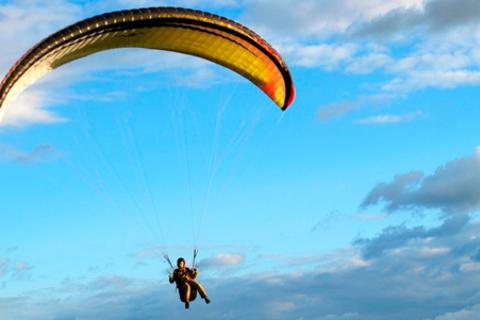 Незабываемый полет на паратрайке над Кронштадтом от компании Fly-spb! Скидка до 52%