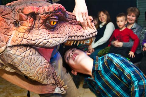 Билет на детское реалистичное роботизированное шоу динозавров с участием живых рептилий «Динозавр-Шоу».  Скидка 50%
