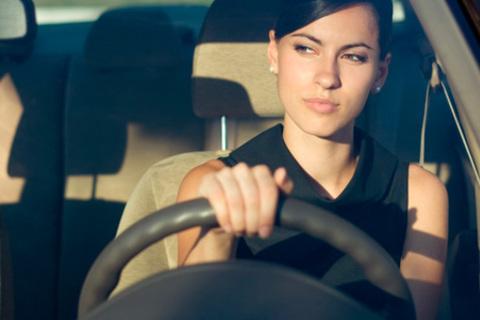 Курсы вождения для получения прав категории «B» в «Автошколе при Академии президента Российской Федерации»: полный курс теории, от 44 до 74 часов практики. Более 54 точек по городу! Скидка 96%