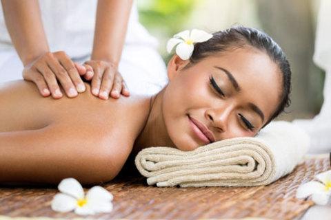 3, 5 или 7 сеансов массажа на выбор в Центре татуажа и косметологии Светланы Викулиной: массаж спины, общий, медовый, коррекционный со скидкой до 72%